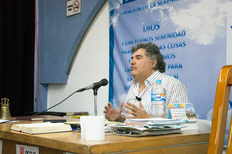 José Manuel Manzano en confernecia en GLV Grupo Luz de Vida